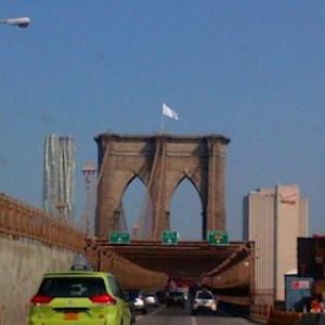Two German Artists Claim Responsibility For Brooklyn Bridge White Flag Stunt