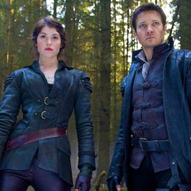 'Hansel and Gretel: Witch Hunters' Movie Review: There Will Be (Lots) Of Blood