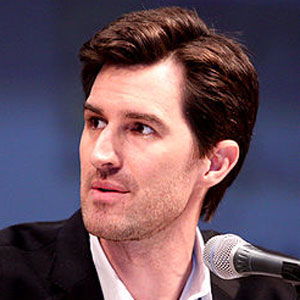 Joe Kosinski Interview On Directing 'Oblivion,' Tom Cruise, Special Effects