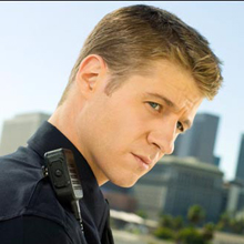 Ben McKenzie On Southland, Jay Leno, Playing A Cop